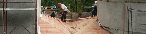 Az Alsó templom tetejének felújítása és valamennyi sérült tető helyrehozatala