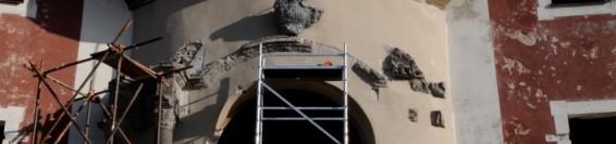 A Felső templom portáljának restaurálása